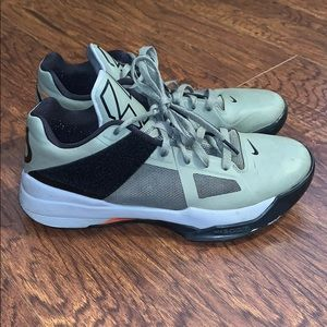 Men's Nike KD Zoom 4 Undefeated Sz 9